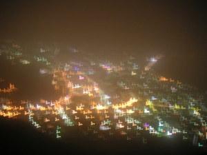 ちょっと靄がかかった函館市内